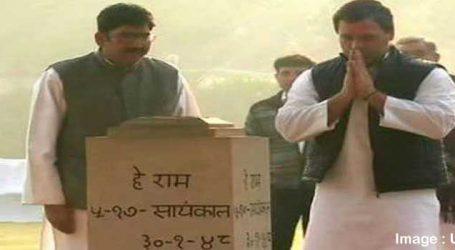 Rahul pays tribute to Mahatma Gandhi on his 70th death anniversary