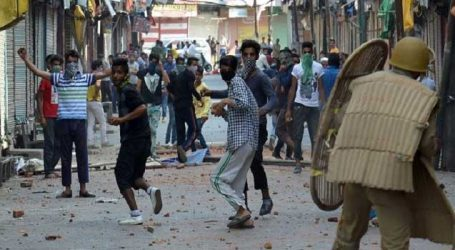 Students counselled not to indulge in stone pelting in Anantnag