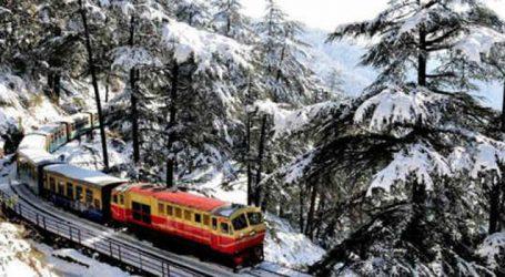 Srinagar finally receives snowfall