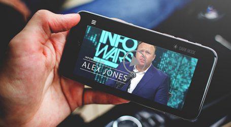 """Apple Inc bans Alex Jones app for """"objectionable content"""""""