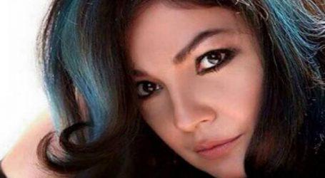 Pooja Bhatt sizzles in black swimsuit on 47th birthday