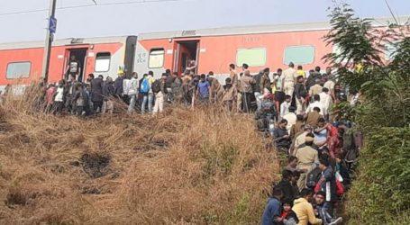 8 coached derailed of Mumbail-Bhubaneshwar Lokmania Tilak Express, at list 40 passengers injured